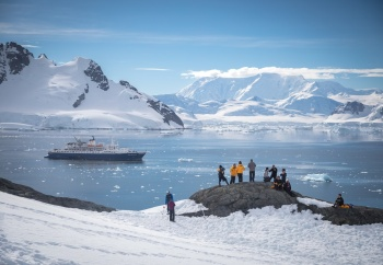 Classic Antarctica: Fly and Cruise